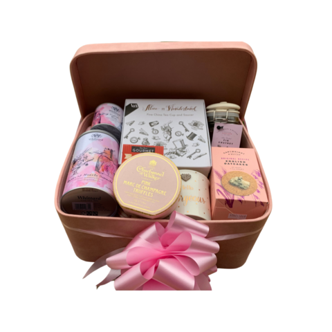 Alice,In,Wonderland,Gift,Hamper,Alice in Wonderland, Gifts for her, Hampers, Gift Hamper, Chocolate hamper, Gifts, Birthday Gifts, Christmas Gifts