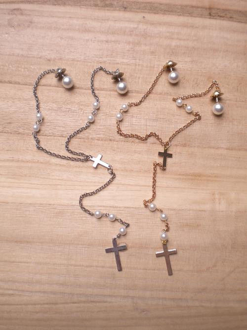 CROSS AND PEARL COLLAR TIP NECKLACE - product image