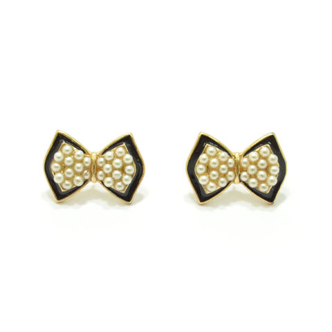 BOW,WITH,PEARLS,STUD,EARRINGS