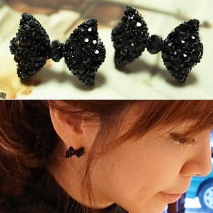 BLACK CRYSTAL BOW EARRINGS - product image