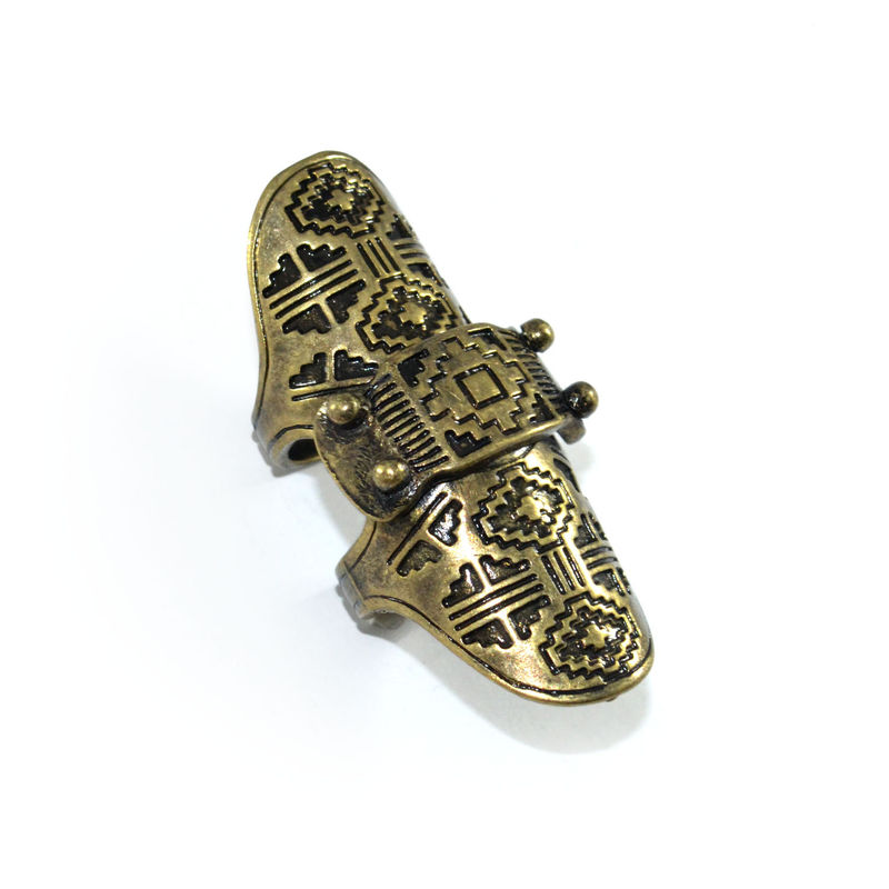 AZTEC ENGRAVED PATTERN KNUCKLE RING - product image