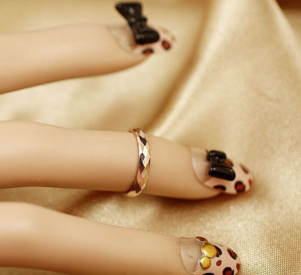 ABOVE KNUCKLE MIDI RING - product image