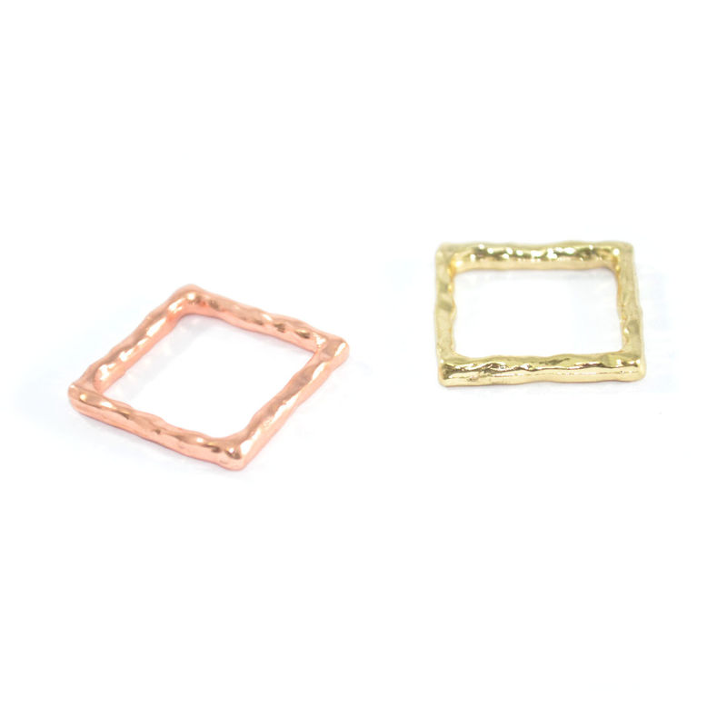 IRREGULAR EDGE SQUARE RING - product image