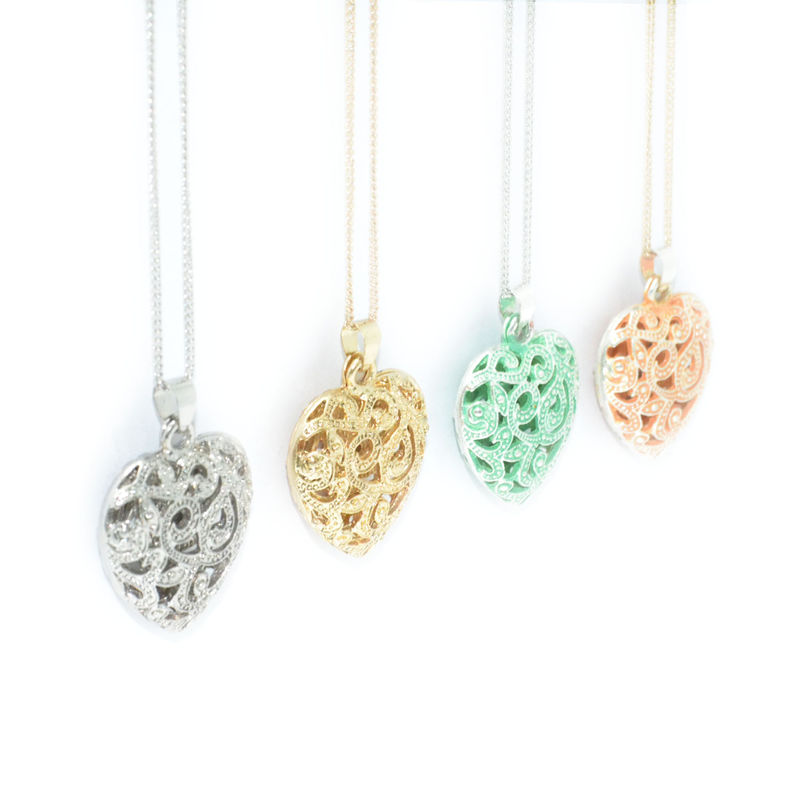 HOLLOW PATTERN HEART LONG CHAIN NECKLACE - product image