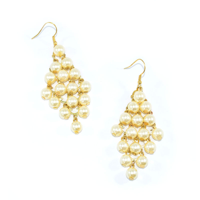 GOLD TONE RHOMBUS WITH PEARLS DROP EARRINGS - product image