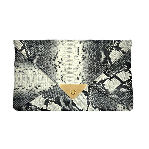 ENVELOPE,CLUTCH,BAG,ENVELOPE BAG,ENVELOPE CLUTCH BAG,ANIMAL PRINT CLUTCH BAG, ANIMAL PRINT ENVELOPE BAG, ANIMAL TEXTURE ENVELOPE CLUTCH BAG, SNAKE PRINT ENVELOPE CLUTCH BAG