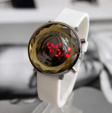 DIGITAL BUBBLE WATCH- WHITE - product image