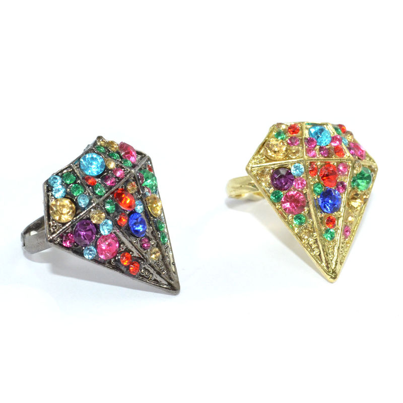 CRYSTAL DIAMOND SHAPE RING - product image