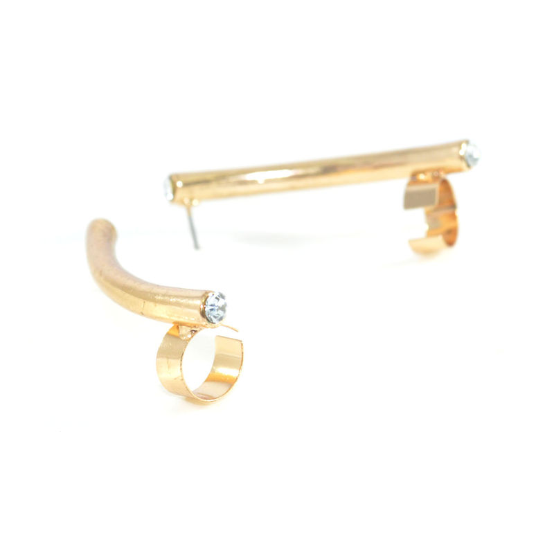 CRYSTAL DECOR CURVE METAL EAR CUFF - product image