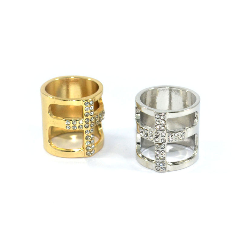 CRYSTAL CROSS RING - product image