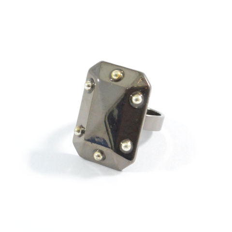 SHINY,RECTANGULAR,PYRAMID,RING