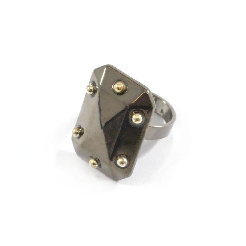 SHINY RECTANGULAR PYRAMID RING - product image