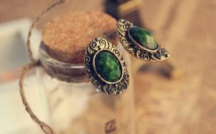 SEMI PRECIOUS EARRINGS - product image