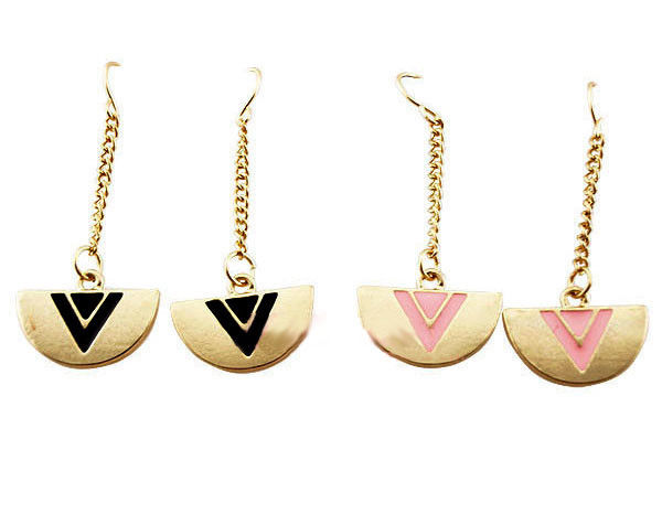 ROUND WITH TRIANGLE EARRING - product images