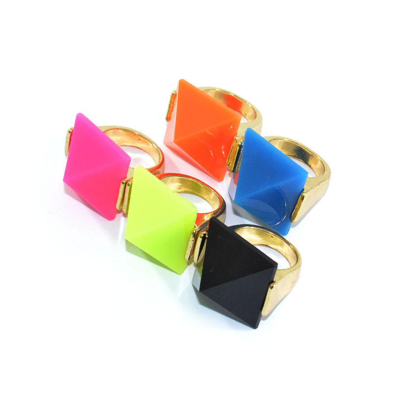PYRAMID STUD RING - product image