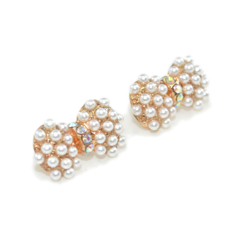 PEARL AND CRYSTAL EARRINGS - product image