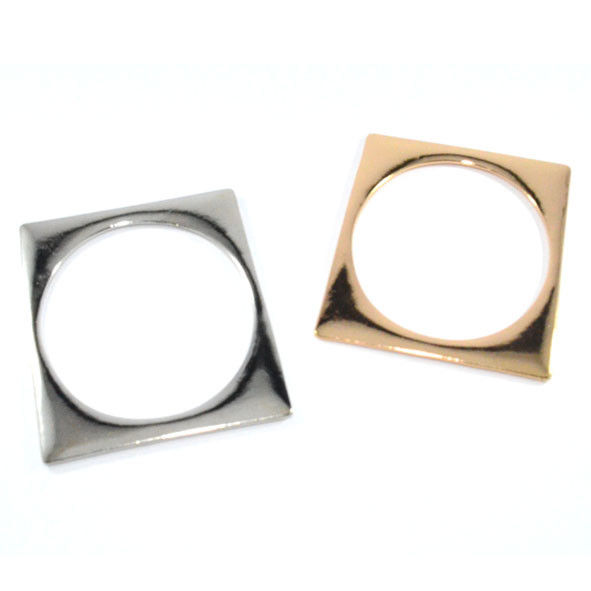 MINIMAL EDGE BANGLE - product image