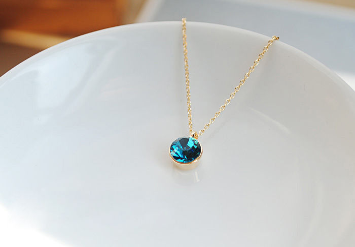MINIMAL CRYSTAL NECKLACE - product image