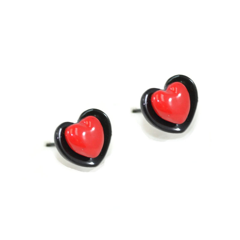 LITTLE HEART EARRING - product image