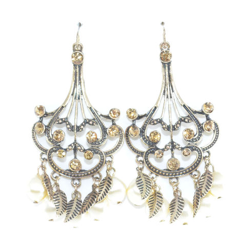 VINTAGE,STYLE,WITH,CRYSTAL,AND,PEARL,DECOR,DROP,EARRINGS