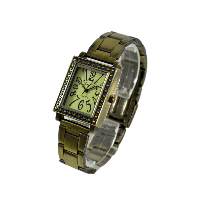 VINTAGE RECTANGULAR STUD EDGE WATCH - product image