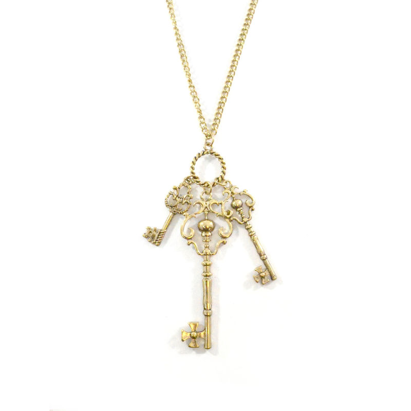 VINTAGE KEY PENDANT NECKLACE - product image