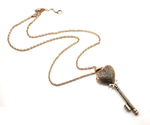 VINTAGE,HEART,KEY,NECKLACE