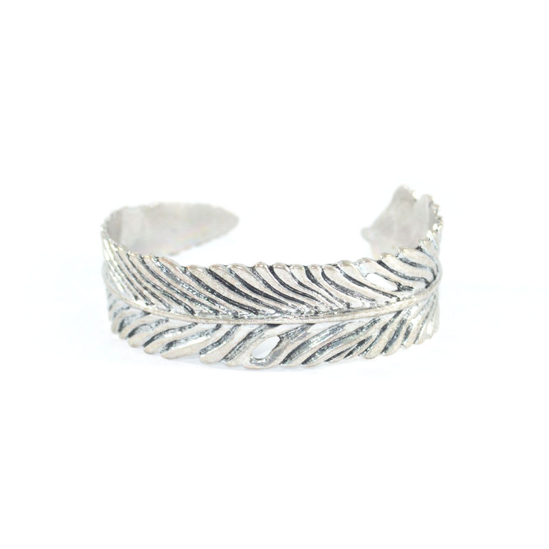 VINTAGE CURVED LEAF BANGLE - product image