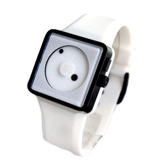 TWO DOTS WATCH - product image