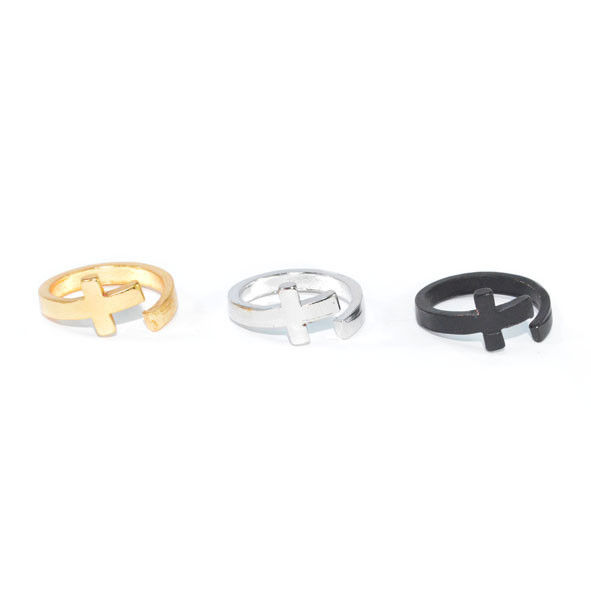 TWISTED CROSS RING - product image