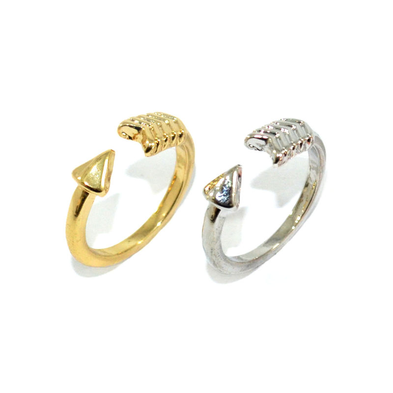 TWIST ARROW RING - product image