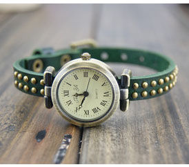 STUDDED VINTAGE WATCH - product image