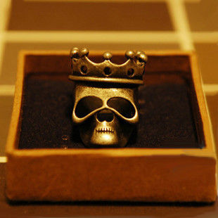 SKULL WITH CROWN RING - product image