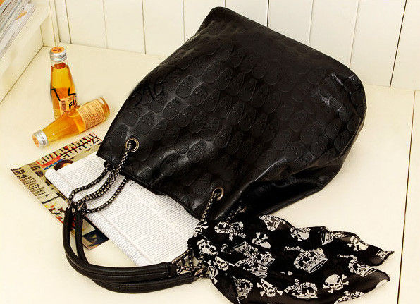 SKULL AND HANDKERCHIEF BAG - product image