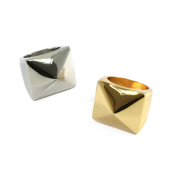 PYRAMID RING - product image