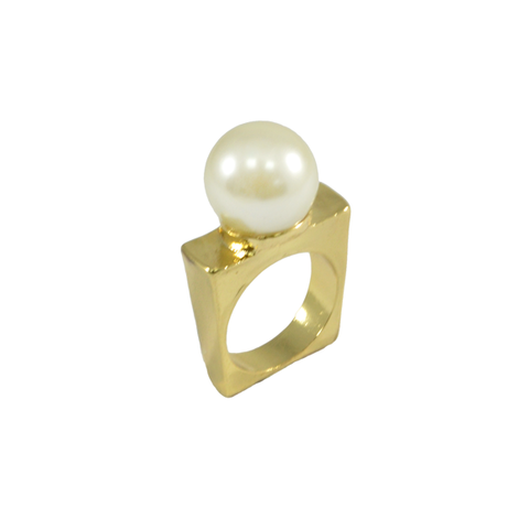 PEARL,WITH,SQUARE,RING