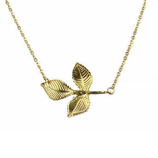 LEAF NECKLACE - product image