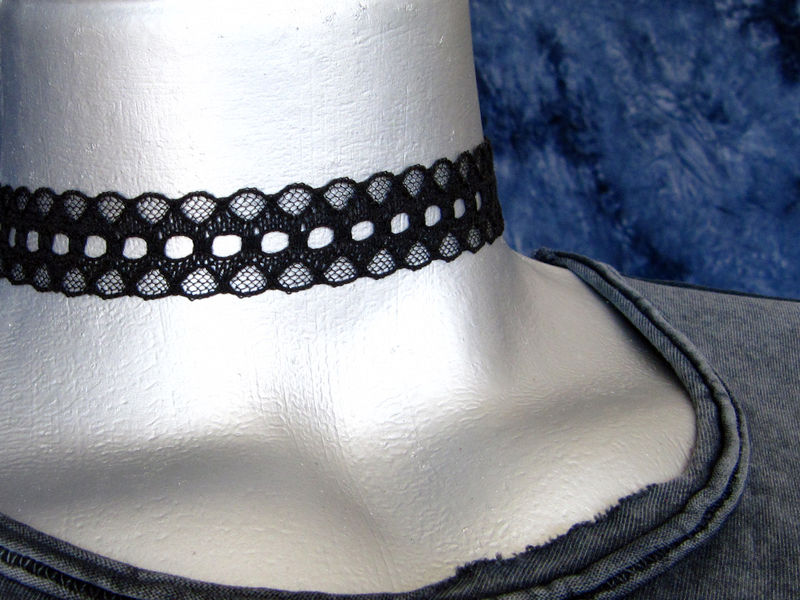 "20mm (3/4"") Plain Black Scalloped Lace Ribbon Choker Necklace - product images  of"