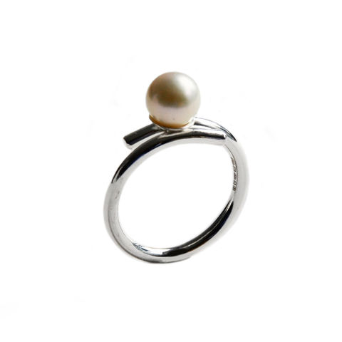 Silhouette,closed,coil,ring,with,pearl,Katerina Damilos, June birthstone, silver and pearl cocktail ring, modern pearl jewellery, statement pearl ring, contemporary pearl ring, pearl cocktail ring, white and grey pearl ring, online jewellery