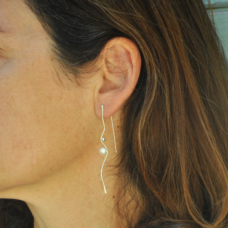 Silhouette wave earrings, silver with white pearls - product images  of