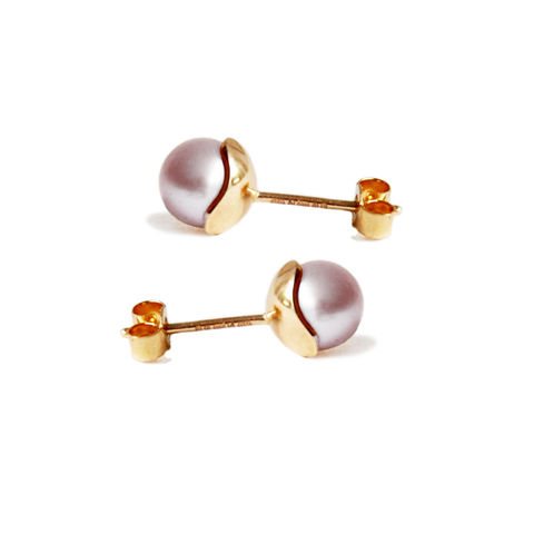 Silhouette,studs,solid,gold,&,pearl,Katerina Damilos, classic pearl solid gold studs, 9ct gold pearl studs, 9ct gold sphere studs, blush pink gold studs, online jewellery