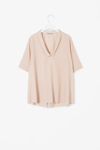 TOP,WITH,DRAPED,COLLAR