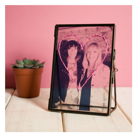 Personalised,Embroidered,Photo,Frame,For,Mother's,Day,Personalised Embroidered Photo Frame For Mothers Day - Photo Frame - Transparent Frame - Vintage Frame - Glass Frame - Mothers Day - Gifts for her- Gifts for mum
