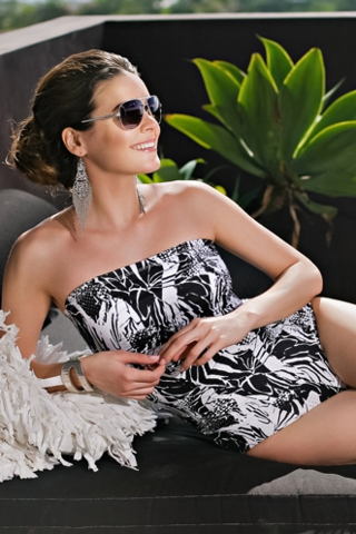 Belize,Black,&,White,Mastectomy,Swimsuit,-,Size,10,only,Mastecomy Swimsuit, Belize Black & White one piece , Halterneck Swimsuit, 223-72M-SA, sapo