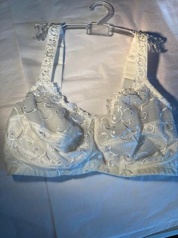 38D,Anita,Ivory,Lace,Bra,-,Double,Pocketed,Mastectomy,Anita Mastectomy Bra, Single Pocket, breast cancer surgery 34c