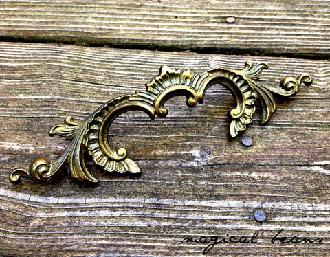 Vintage,French,Provincial,Antiqued,Brass,Regal,Motif,Drawer,Pull,Supplies,Waterfall_Style,Drawer_Hardware,French_Provincial,Vintage_Hardware,Brass_Hardware,Waterfall_Pull,Brass_Dresser_Pull,Brass_Drawer_Pull,Restoration_Hardware,Brass_Waterfall_Pull,French_Drawer_Pull,french_brass_pull,Vintage_French_Pull,brass