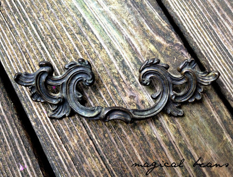 Vintage,French,Provincial,Dark,Brass,Winged,Pull,by,Keeler,Co,dresser hardware, cabinet pulls, black drawer pulls, dark brass pull, vintage drawer pull, vintage hardware, kbc drawer pulls, keeler brass co period hardware, kbc hardware, winged drawer pull, leafy drawer pull, baroque drawer pulls, brass drawer pulls,