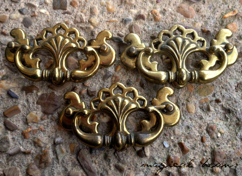 Victorian,Chippendale,Solid,Brass,Drop,Pull,Supplies,dresser_hardware,dresser_pulls,furniture_hardware,brass_pulls,dresser_drawer_pulls,gold_pulls,drawer_pulls,furniture_pulls,antique_drawer_pulls,antique_brass_pulls,dresser_pull,brass_hardware,chippendale_hardware,Solid Brass,Antique Brass