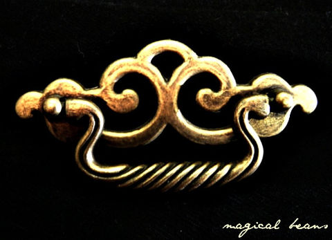 Vintage,Chippendale,w/Twist,Drop,Pull,in,Antiqued,Brass,brass drawer pull,antiqued brass drawer pull, chippendale drawer pull, vintage drawer pull, dresser drawer pull,drawer pull handles, dresser hardware, canada brass pulls, twisted drop pulls