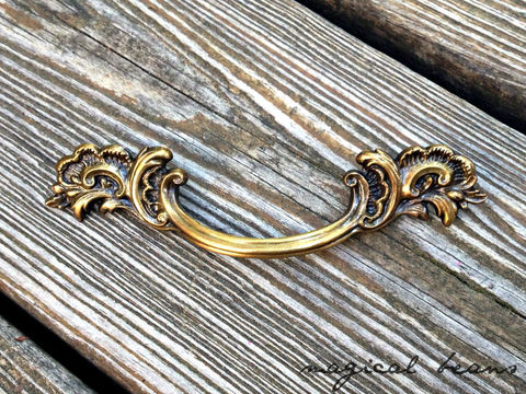 Vintage,Keeler,Brass,Co,French,Provincial,Flared,Leaf,Pull,in,Antiqued,brass drawer pull, french provincial, gold pull, vintage hardware, dresser drawer pull, cabinet pull